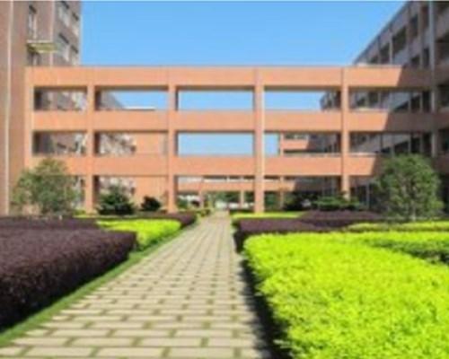 郑州新区龙翔中学